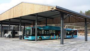 V Trutnově vybudovali dobíjecí areál pro elektrobusy