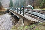 Most v Temném Dole v Krkonoších je v havarijním stavu, kraj tam vybuduje nový.