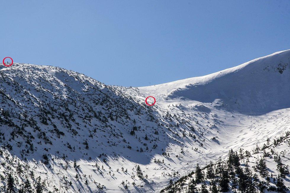 Tohle hory nepamatují. Banda na skútrech řádila v Krkonošském národním parku.