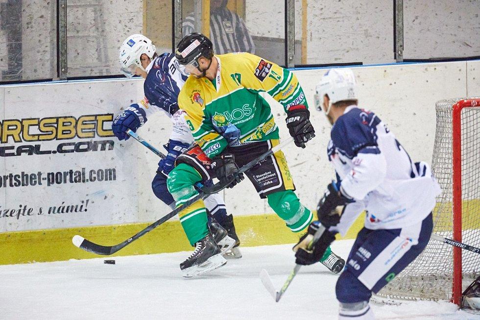 Hokejové derby Trutnov - Dvůr Králové (4:3).