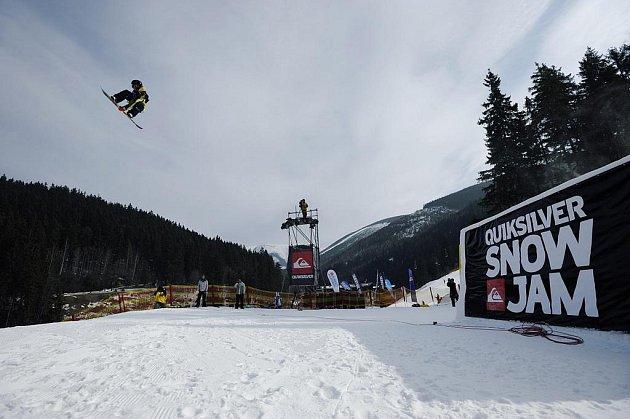 Devátenáctiletý jezdec z Kladna Petr Horák (na snímku) dokázal jako první Čech v historii závodu vyhrát Quicksilver Snowjam.