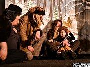 Mrazíka Divadla bez zábran děti úplně hltaly.