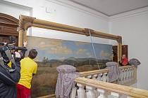 Zpátky v Jilemnici. Obrovský obraz Kotel v Krkonoších namaloval František Kaván v roce 1895 jako oponu pro křížlické ochotníky.