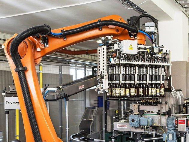 V lahvovně Tambora pracuje unikátní automatická linka