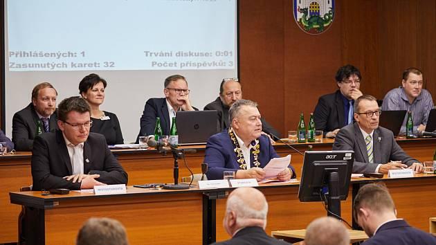 Vedení Trutnova. Zleva: místostarosta Tomáš Eichler, starosta Ivan Adamec a místostarosta Tomáš Hendrych.