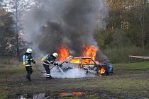 Během oslav návštěvníci viděli například hašení hořícího vozu historickou kejvačkou