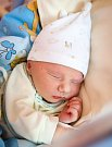 JAN EXNER se narodil 6. června v 1.06 hodin Kristýně Schusterové a Jakubu Exnerovi. Vážil 3,29 kilogramu a měřil 52 centimetrů. Společně se bráškou Hubertem bude bydlet v Křížlicích.