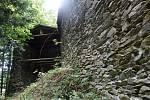 Ze štěpanického hradu, který býval pevností Valdštejnů, zůstala zřícenina.