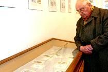 VÝBORNĚ ZVLÁDNUTÉ ŘEMESLO i lásku k rodnému kraji najdou návštěvníci výstavy v tvorbě Josefa Vika. Toho ani v osmdesáti letech neopouští tvůrčí elán i specifický smysl pro humor.