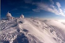 Podle Horské služby je potřeba dbát na zvýšenou opatrnost na řetězové cestě od Slezského domu na vrchol Sněžky.