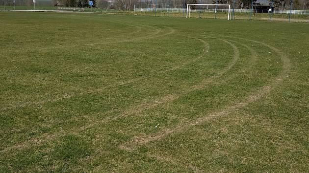 Fotbalisté Kuksu měli na svém hřišti nevítaného hosta.