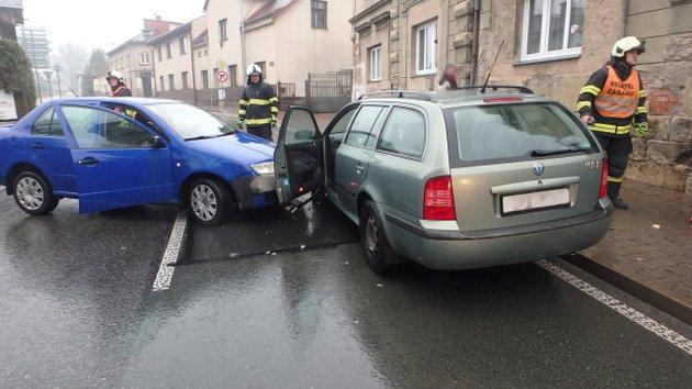 Nehoda ve Dvoře Králové nad Labem.
