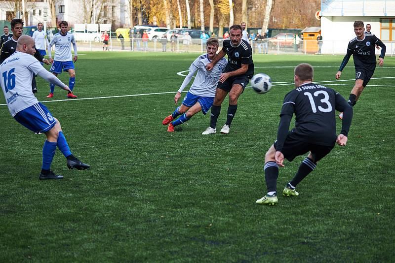 Trutnovští fotbalisté na závěr podzimní části přehráli Libiš výsledkem 3:0.