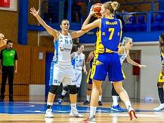 Andrea Vacková (v bílém)