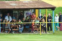 Fotbaloví fanoušci z Mostku se těší na další domácí zápas. Přijede Hostinné.