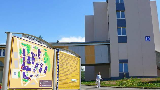 Trutnovské nemocnice dočasně uzavřela jednu stanici interního oddělení, potřebuje nabrat minimálně tři zdravotní sestry.