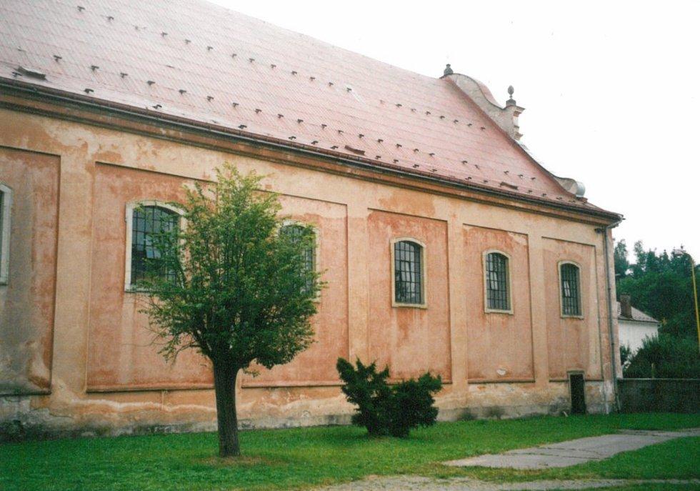 Klášterní kostel, rok 2000.
