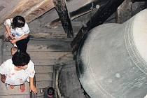 KRÁLOVÉDVORSKÉ ZVONY SE STALY INSPIRACÍ. Významný český skladatel Otomar Kvěch  složil skladbu, ke které ho inspirovaly zvony dvorského kostela sv. Jana Křtitele.