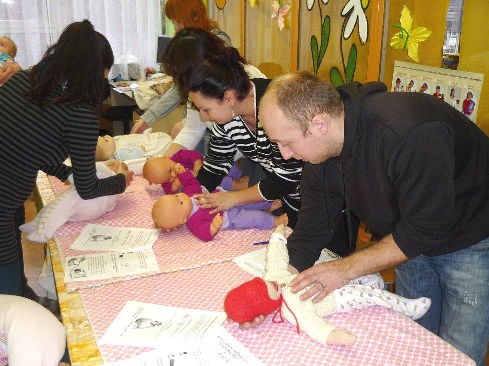 Zajíček, klokánek, tygřík, klubíčko – dopřejte svým dětem komfort při nošení či odříhávání
