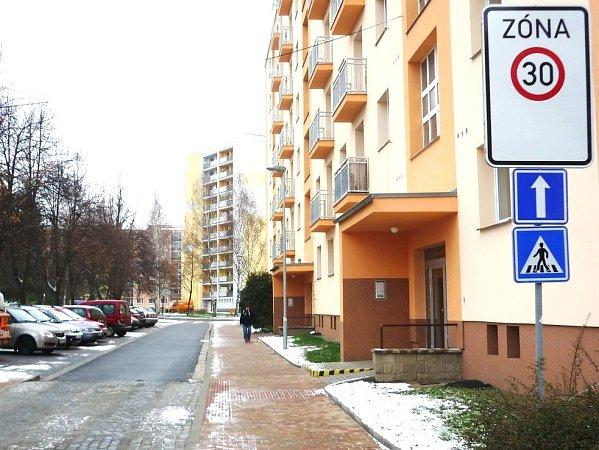 DRUHOU ETAPU regenerace má turnovské sídliště již za sebou. Obyvatelé se dočkali zlepšení vzhledu lokality a zkvalitnění komfortu bydlení.