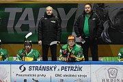 Hokejisté Dvora Králové na vlastním ledě přehráli Nymburk 5:3.