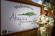 Strážník v národním parku Akagera.