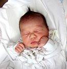 VĚRA ČISÁROVÁ se narodila 14. února v 0.51 hodin Leoně Čisárové a Marku Hermanovi. Vážila 2,97 kilogramu a měřila 47 centimetrů. Doma v Trutnově už čekají i sourozenci Erik a Anita.