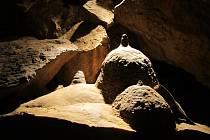Bozkovské dolomitové jeskyně letos navštívilo 67 tisíc lidí. Mohli vidět zajímavé útvary jako například prušáckou přilbu.