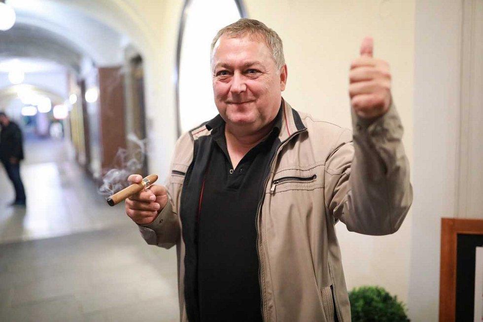 Ivan Adamec, lídr ODS a trutnovský starosta slaví volební vítězství v komunálních volbách 2018.