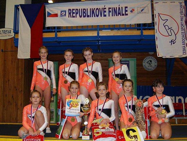 Družstvo Junior I vybojovalo na mistrovství republiky zlaté medaile v TeamGymu.