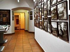 NÁVŠTĚVNÍCI INFORMAČNÍHO CENTRA budou mít v Muzeu a Pojizerské galerii také možnost seznámit se s regionální historií i aktuálními výstavami.