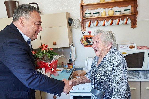 Ludmila Jakoubková zTrutnova slaví 100let.