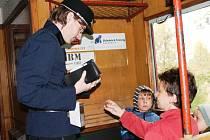 Podkrkonoším jezdil parní svatováclavský vlak