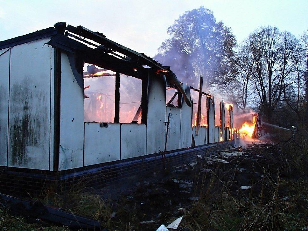 Požár ubytovny ve Dvoře Králové.