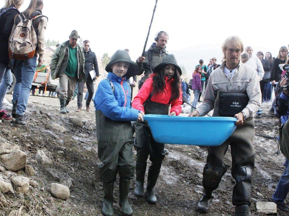 """""""Tichý blázen"""" Jakub Vágner potkal ryby a dal jim nový domov"""