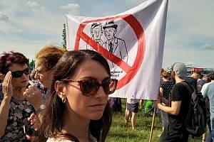 Z demonstrace na pražské Letné 2019.