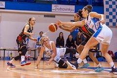 Ženská basketbalová liga: BK Loko Trutnov - Sokol NILFISK Hradec Králové 52:98 (13:28, 23:53, 39:77).
