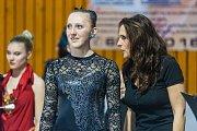 Kateřina Jaklová (Nemesis Trutnov) byla třetí v kategorii seniorek. Na snímku je s trenérkou Janou Šichovou.