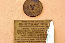 Pamětní deska Jindřicha Ambrože