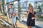 Lucie Středová se narodila v Trutnově, ale do svých 20 let vyrůstala v Radvanicích. Poté ji osud zavál do Úpice, kde pracuje již jedenáctým rokem jako učitelka ve školce. Nyní opět žije v Trutnově, kde se mimo jiné věnuje hudbě v kapele Sansaband.