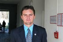Fotbal hraje i rozhoduje a na Trutnovsku Marek Pilný (47) post předsedy okresního fotbalového svazu obhájil.