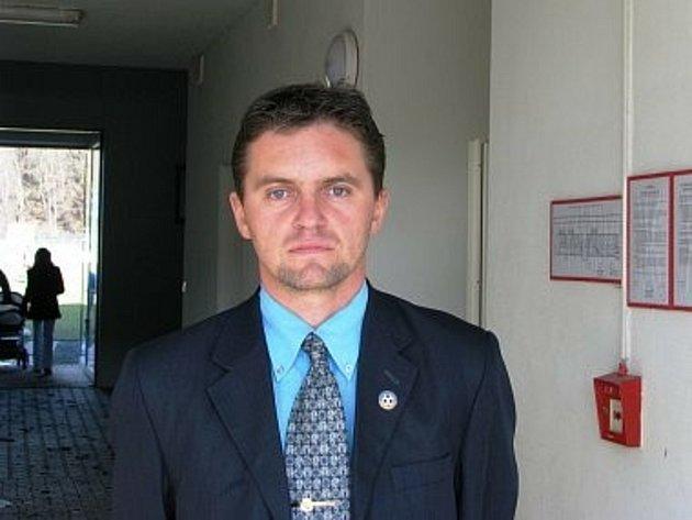 Fotbal hraje irozhoduje a na Trutnovsku chce Marek Pilný (47) obhájit post předsedy okresního fotbalového svazu.