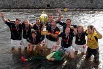 AC EVERLAST PŘÍBRAM. Vítěz 7. ročníku Poháru vítězů pohárů v malé kopané, který se konal o víkendu v Havlovicích.