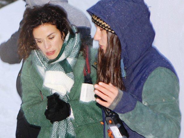 Štáb francouzské televize TF1 obsadil na dva týdny Malou Úpu. Film Coup de foudre à Noel, v němž jednu z hlavních rolí ztvárnila Barbara Cabrita, se objeví na francouzských obrazovkách letos dva týdny před Štědrým dnem.