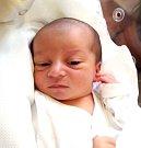 MARTINA CHARVÁTOVÁ se narodila 18. prosince v 5.31 hodin rodičům Martině a Martinovi. Vážila 3,33 kg a měřila 50 cm. Doma ve Rtyni v Podkrkonoší na ni čeká sestřička Kristýna.