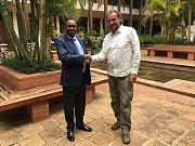 Přemysl Rabas jednal v keňském Nairobi s Charlesem Musyokim, novým ředitelem Kenya Wildlife Service.