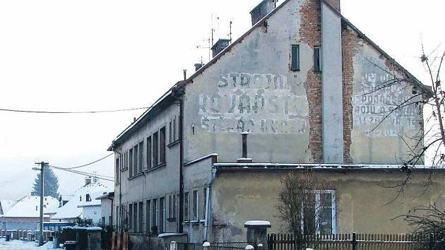 JEDNOU Z ČÁSTÍ DVORA KRÁLOVÉ, které se nelíbí nové názvy ulic, je Žirečská Podstráň.