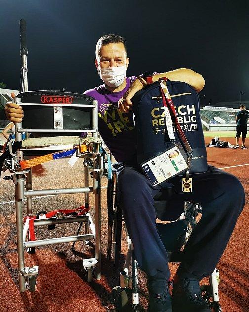 Aleš Kisý zTrutnova získal na paralympijských hrách vTokiu bronz.