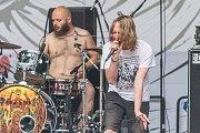 Trutnovská kapela Člověk v plísni při vystoupení na festivalu Obscene Extreme.