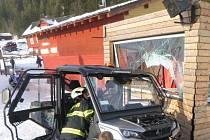 Nehoda čtyřkolky v Peci